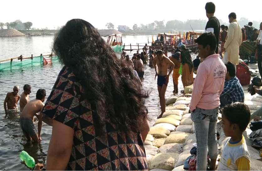 कुंभ 2021: शाही स्नान को उमड़ा श्रद्धालुओं का सैलाब