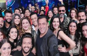 Its Viral: सलमान खान ने ली 'मेगा सेल्फी', एक फ्रेम में नजर आईं कई बड़ी हस्तियां.. जानिए क्यों साथ आए ये सितारे?
