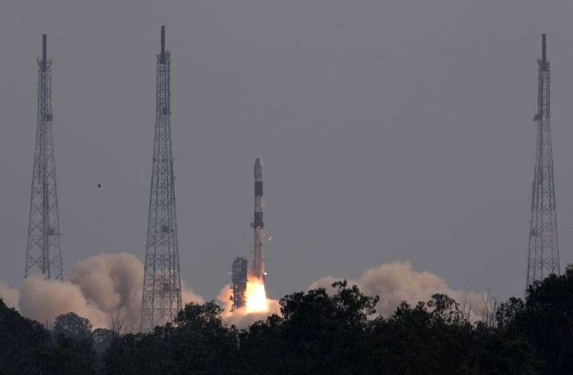 भागवद गीता, पीएम मोदी की तस्वीर के साथ 19 उपग्रह लांच
