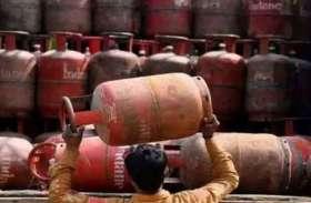 दिवाली के बाद आम लोगों की बढ़ी मुसीबत, गैस सिलेंडर के 7 बार बढ़ चुके हैं दाम