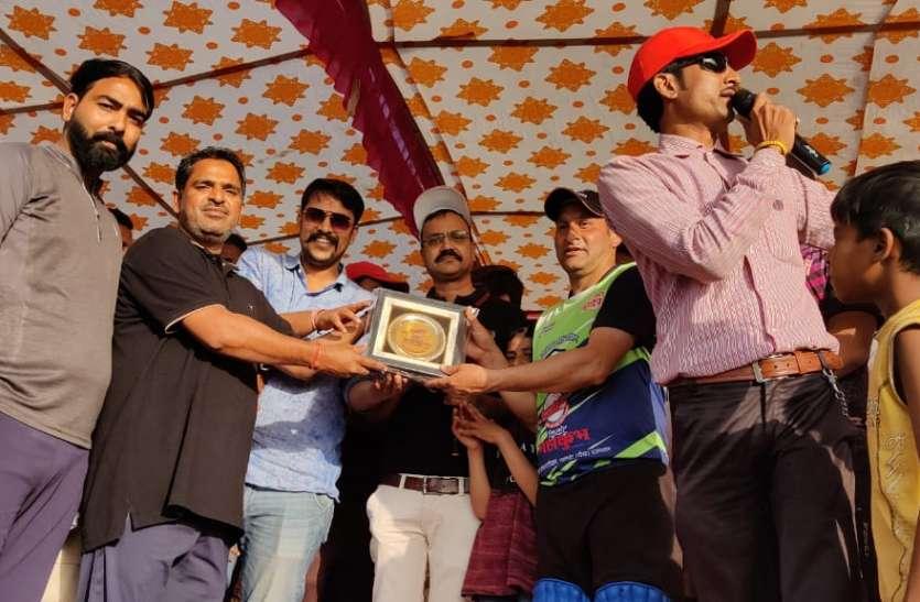 कश्मीर ने कटाया सेमीफाइनल का टिकट