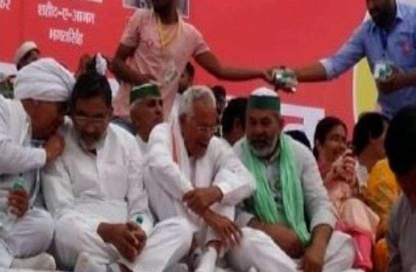 किसान नेता राकेश टिकैत झुंझुनूं पहुंचे