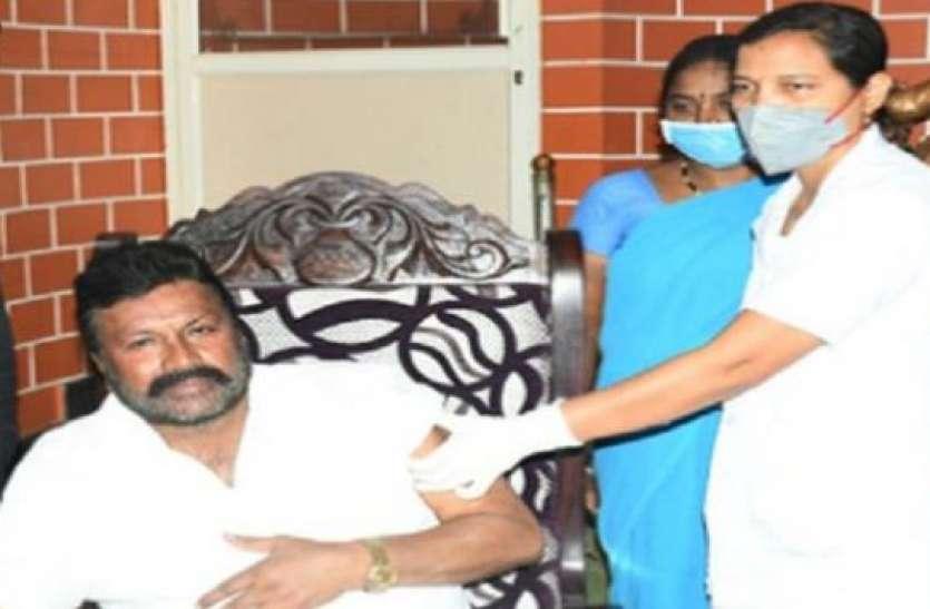 कोरोना की वैक्सीन लगवाकर बुरे फंसे कर्नाटक के ये मंत्री, जानिए क्या है वजह
