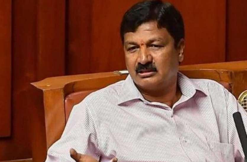 'सेक्स टेप' मामले में बढ़ी कर्नाटक के मंत्री की मुश्किल, जरकीहोली बोले- ये मेरे खिलाफ राजनीतिक साजिश