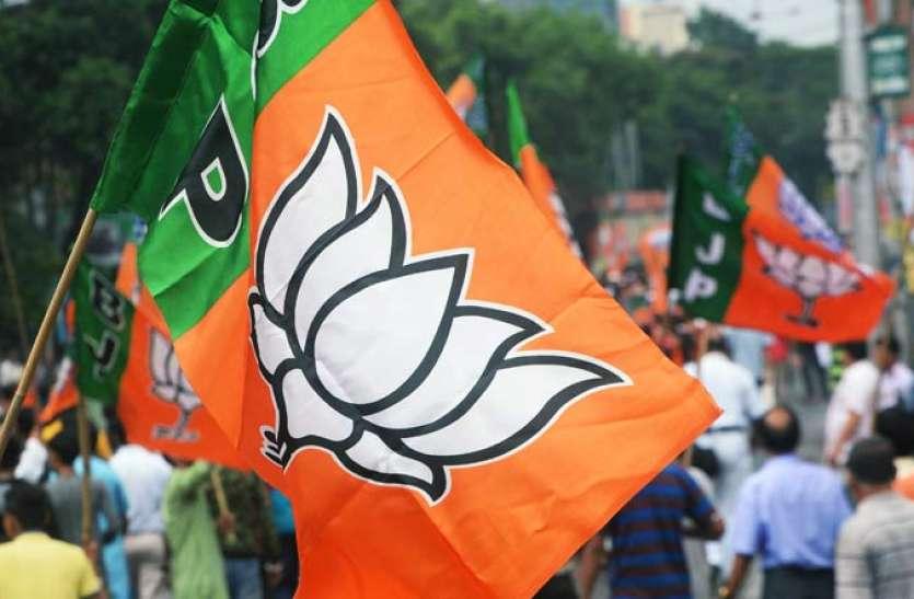 चुनाव से पहले ममता का साथ छोड़ चार और TMC नेता भाजपा में शामिल