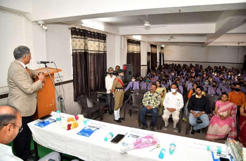 वन्य जीव विशेषज्ञ कैलाश सांखला पर व्याख्यान