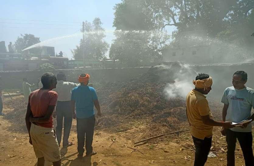 बाड़ी में भड़की आग, आधे में फायर ब्रिगेड का पानी समाप्त