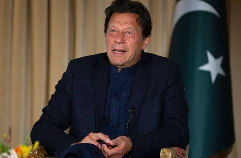 इमरान खान विश्वासमत प्रस्ताव को तैयार, कहा-हार गया तो विपक्ष में बैठूंगा