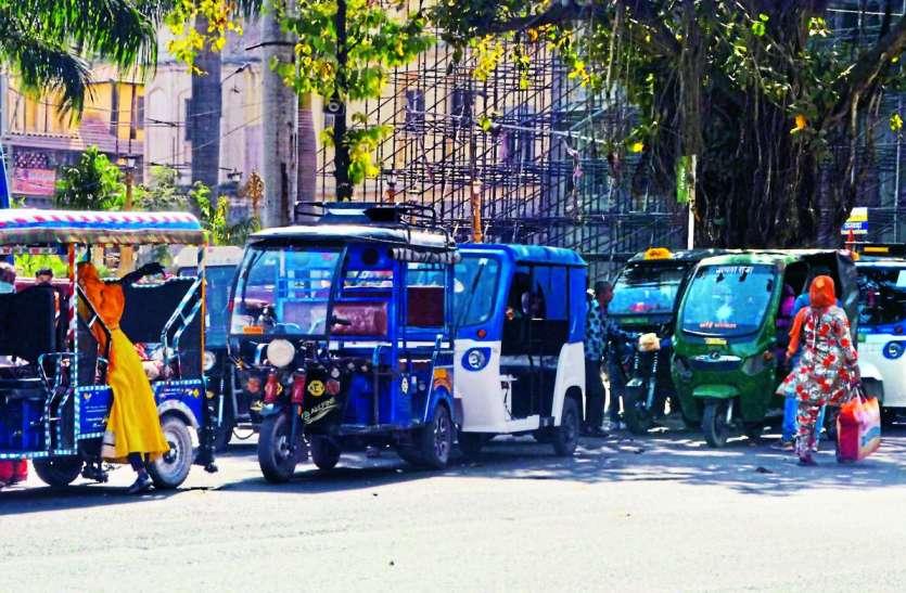 मिस मैनेजमेंट की भेंट चढ़ा ई-रिक्शा परिवहन