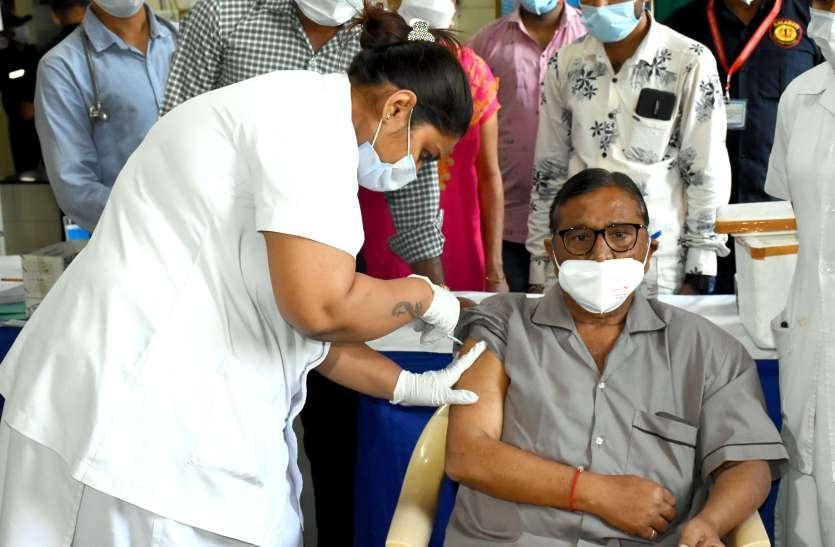 Gujarat: गुजरात में कोरोना के नए 571 मरीज, एक की मौत
