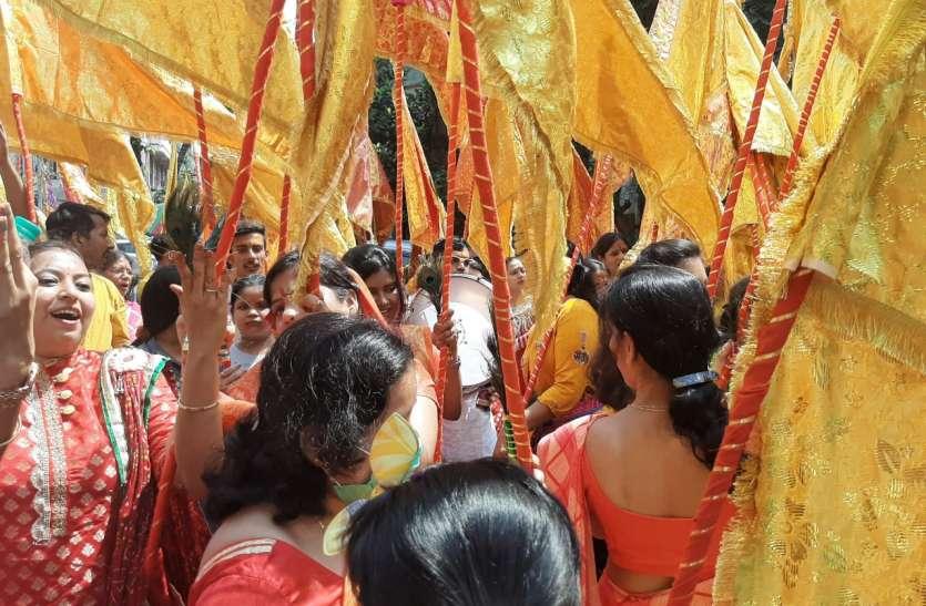 काठगोला श्याम मन्दिर तक निकली निशान यात्रा