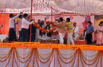 मंत्री स्वामी प्रसाद मौर्य पहुंचे श्रावस्ती, देखें वीडियो