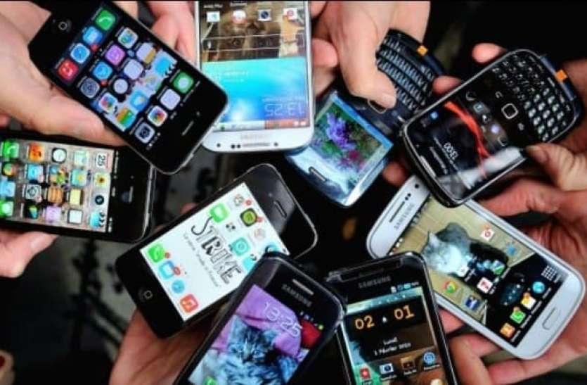 देशभर से चोरी करके मोबाइल फोन मुंबई में भेजे जाते हैं, कुरियर कंपनियां टारगेट तक पहुंचाने में करती हैं मदद