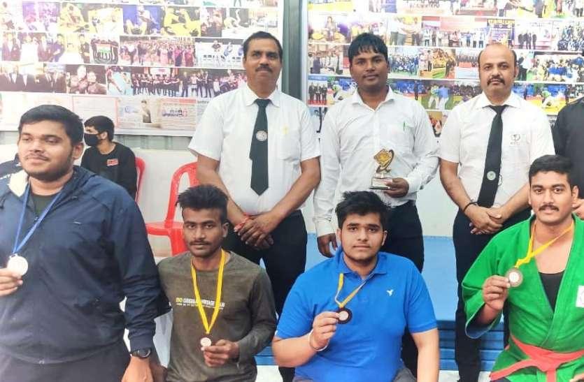 इंदौर में राज्य स्तरीय कुराश प्रतियोगिता में रीवा के खिलाडिय़ों ने जीते चार पदक