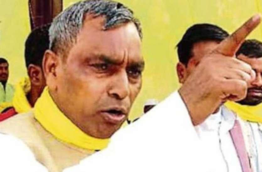 योगी जी के सरकार में बहुत से अधिकारी घर में रखते हैं मर्सिडीज : ओम प्रकाश राजभर