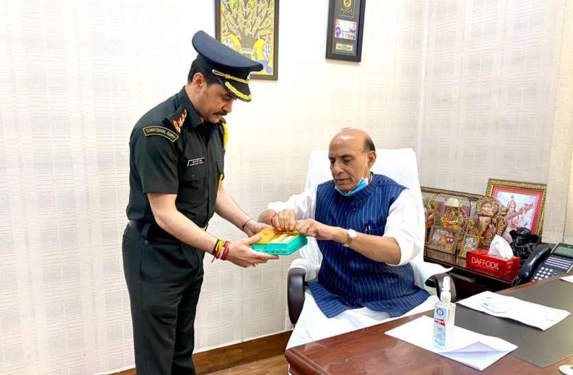 सेना में कैप्टन बनने के बाद वित्त मंत्री और रक्षा मंत्री से मिले अनुराग ठाकुर