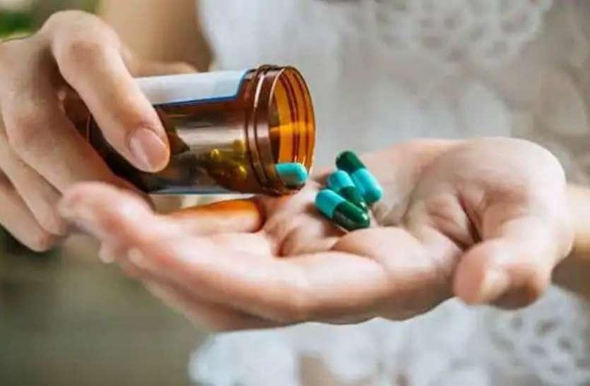 बेहतर असर के लिए लंबी बीमारी में समय-समय पर बदली जाती हैं दवाएं