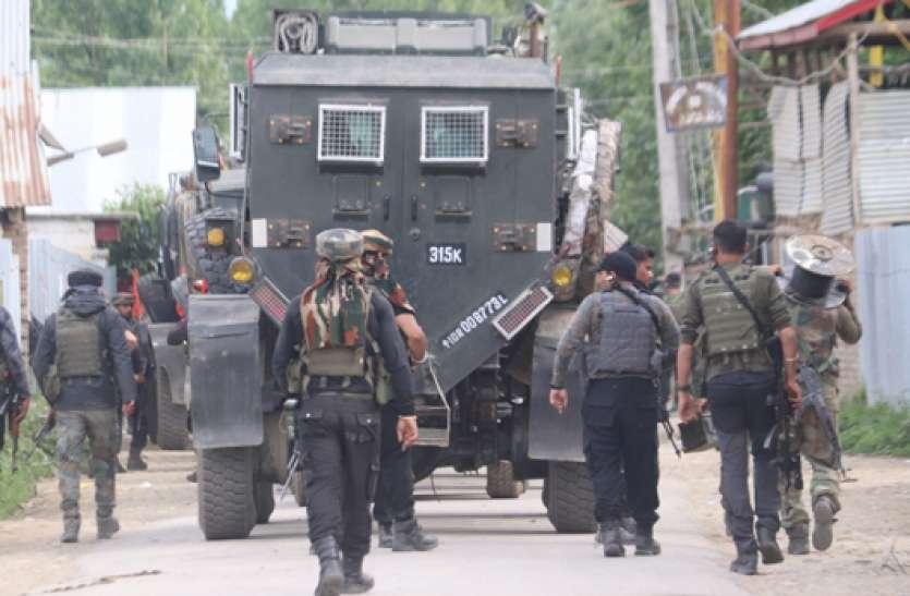 जम्मू-कश्मीर: बारामुला की पुलिस चौकी पर हमले से चूके आतंकी, ग्रेनेड से उड़ाने की कोशिश