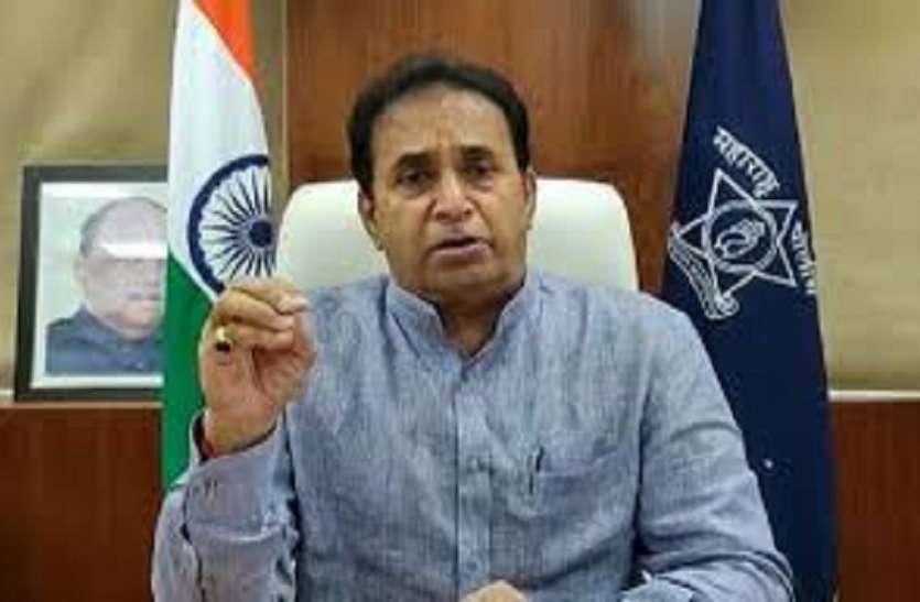 महाराष्ट्र: सचिन वाजे के मामले में गृह मंत्री अनिल देशमुख पर उठे सवाल, क्या पद पर बने रहेंगे