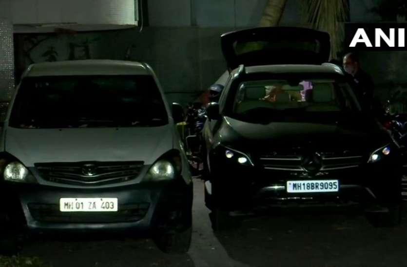 NIA को मिली काले रंग की मर्सिडीज, स्कॉर्पियो की असली नंबर प्लेट और पांच लाख रुपये मिले