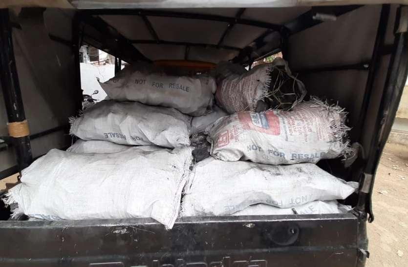 खदान से चोरी किया गया तीस बोरी कोयला पुलिस ने किया जब्त