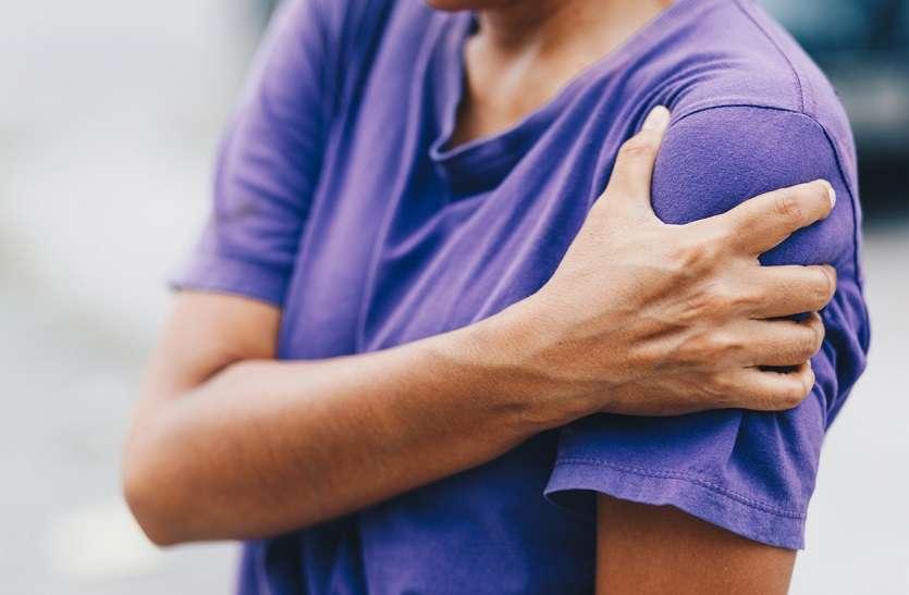 Hello Doctor- मांसपेशियों की कमजोरी से भी बार-बार उतरता है कंधा