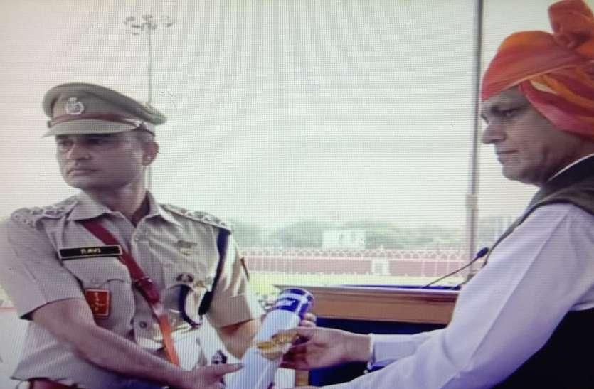 सहायक कमाण्डेंट रवि शर्मा को वीरता पुरस्कार देकर किया सम्मानित