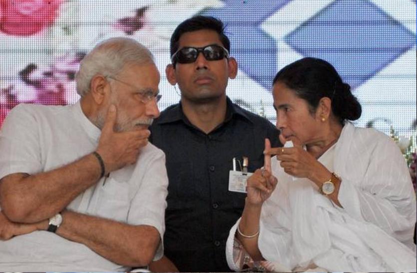 West Bengal Assembly Elections 2021: मोदी ने कहा, हारने के डर से दीदी जा रहीं मंदिर, ममता बोलीं शेरनी हूं, कभी सिर नहीं झुकाऊंगी