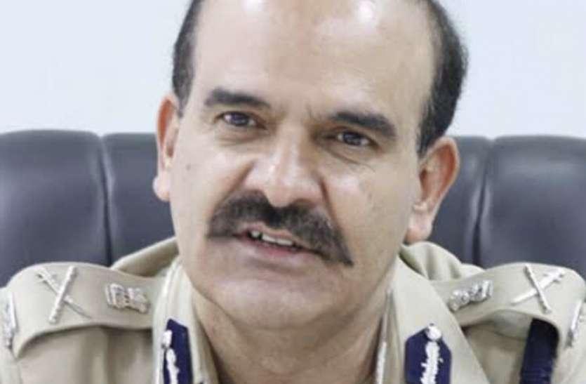 महाराष्ट्र: सुप्रीम कोर्ट पहुंचे परमबीर सिंह, सीबीआई से आरोपों की जांच कराने की मांग