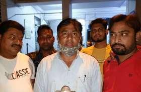 breaking news : वकीलों से पुलिस ने की मारपीट ओमती थाने में हंगामा- देखें वीडियो