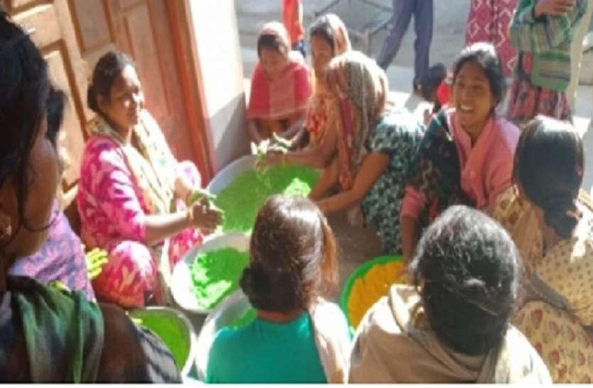 भारत में ही नही लंदन में भी उड़ेंगे गुलाल! हर्बल रंग बनाकर ये महिलाएं कमा रही हैं लाखों रुपये