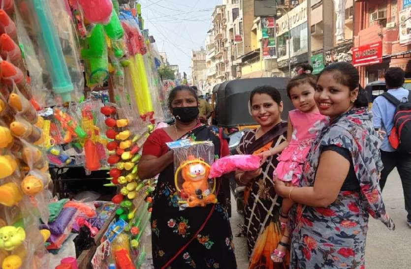 Chennai: कोरोना का खौफ नहीं, होली को लेकर प्रवासियों में उत्साह