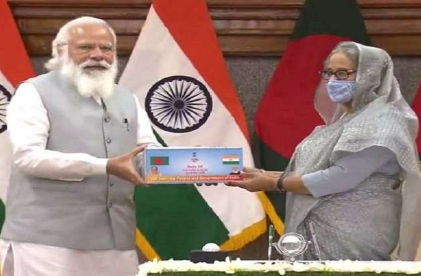 पीएम मोदी ने शेख हसीना को भेंट की कोरोना वैक्सीन की 12 लाख डोज, भारत-बांग्लादेश के बीच कई समझौते