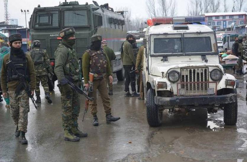 जम्मू-कश्मीर: सोपोर आतंकी हमले में चार पुलिसकर्मी सस्पेंड, ड्यूटी टाइम में लापरवाही का आरोप