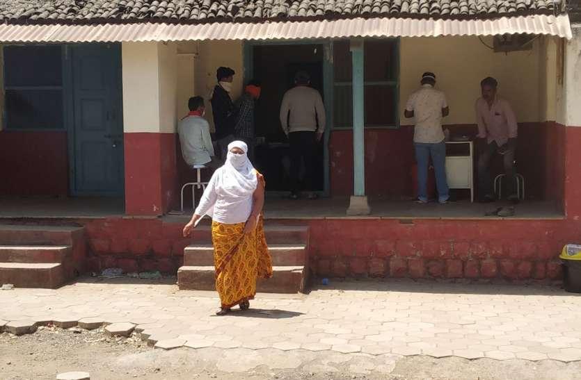 संदिग्ध मरीज सेंधवा से बाहर जाकर निजी अस्पतालों में करा रहे इलाज