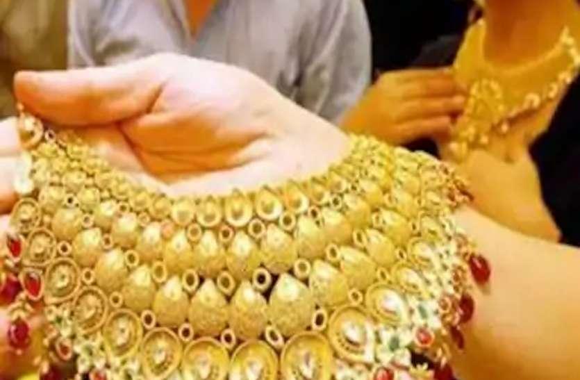 Gold And Silver Price : 180 दिन में 12 हजार रुपए सस्ता हुआ सोना, आज इतने कम हो गई कीमत