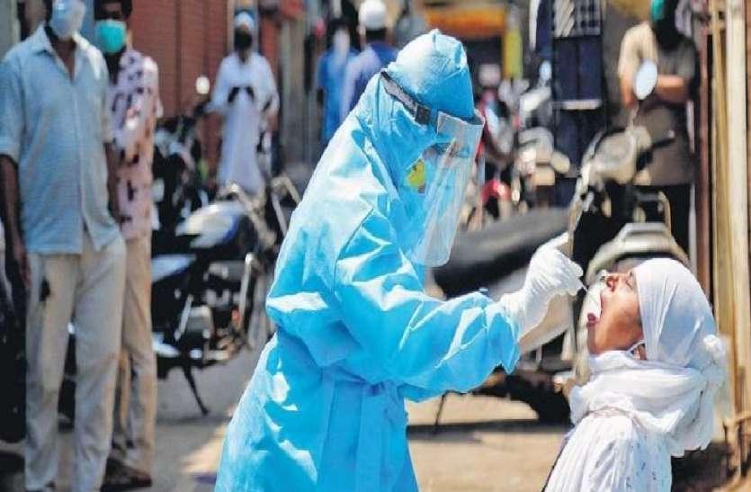 यूपी में तेजी से पैर पसार रहा कोरोना वायरस, बीते 24 घंटों के दौरान मिले 918 नए केस