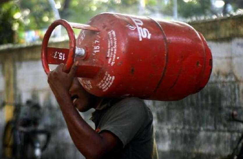 खुशखबरी: रसोई गैस 10 रुपये सस्ती, कल से लागू होंगी नई दरें