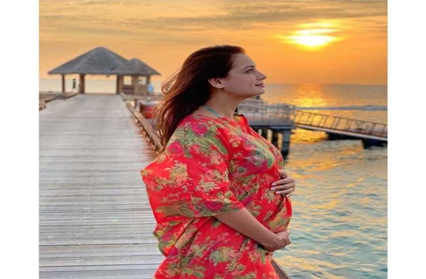 मां बनने जा रही हैं एक्ट्रेस दीया मिर्जा