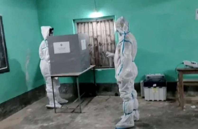 सुंदरवन में कोरोना पीड़ित ने किया मतदान