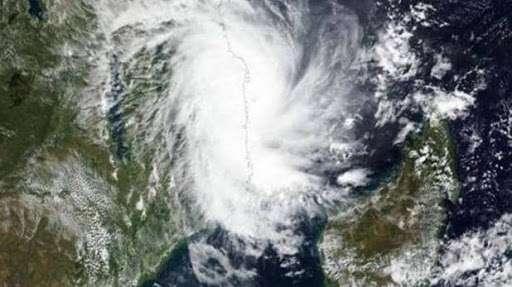 Weather Forecast: चक्रवाती तूफान का मंडराया खतरा, यहां भारी बारिश के बीच तेज हवाएं चलने के आसार - Rajasthan Villages News
