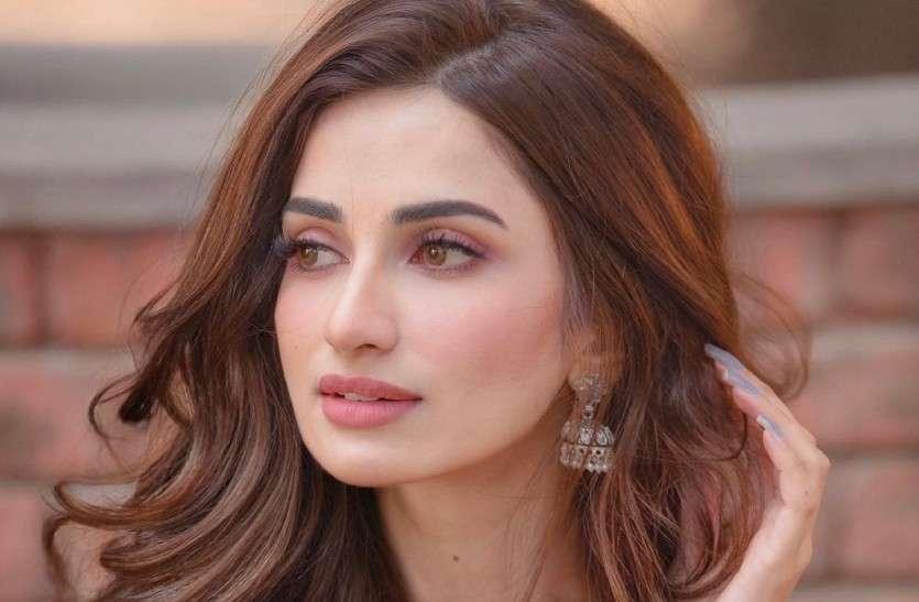 Model Diksha Singh