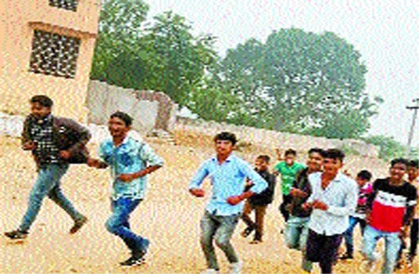 खेतों में दौड़ कर युवाओं ने लावा को दिलाई प्रदेश में पहचान