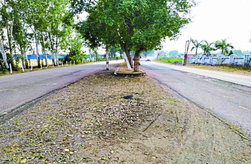 बमीठा से खजुराहो के बीच सड़क को फोरलाइन बनाने 73 करोड़ 43 लाख रुपए का बजट जारी