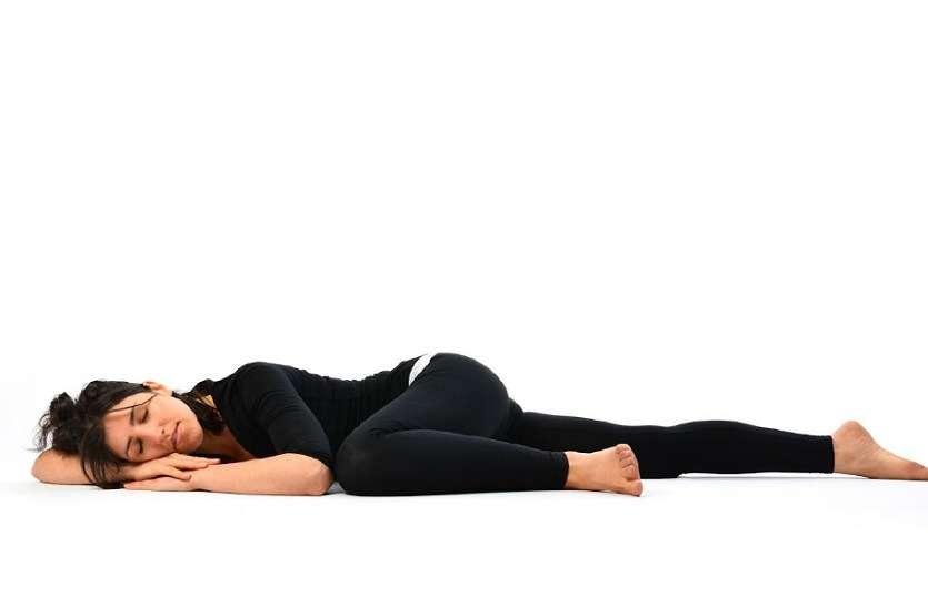 कमर दर्द से परेशान है तो रोजाना करें मत्स्य क्रीड़ासन, जल्द मिलेगा आराम