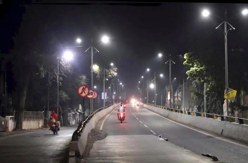 Delhi: नाइट कर्फ्यू में मूवमेंट के लिए ई-पास जरूरी, दिल्ली मेट्रो ने बदले प्रवेश नियम