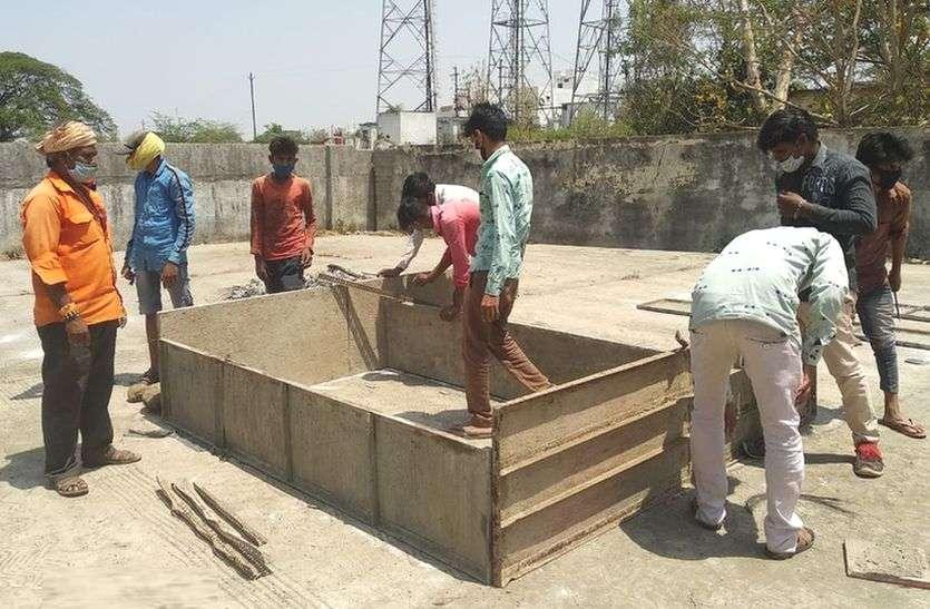 Sendhwa patrika news : मुक्तिधाम में बनाए 4 अस्थाई दाह संस्कार प्लेटफॉर्म