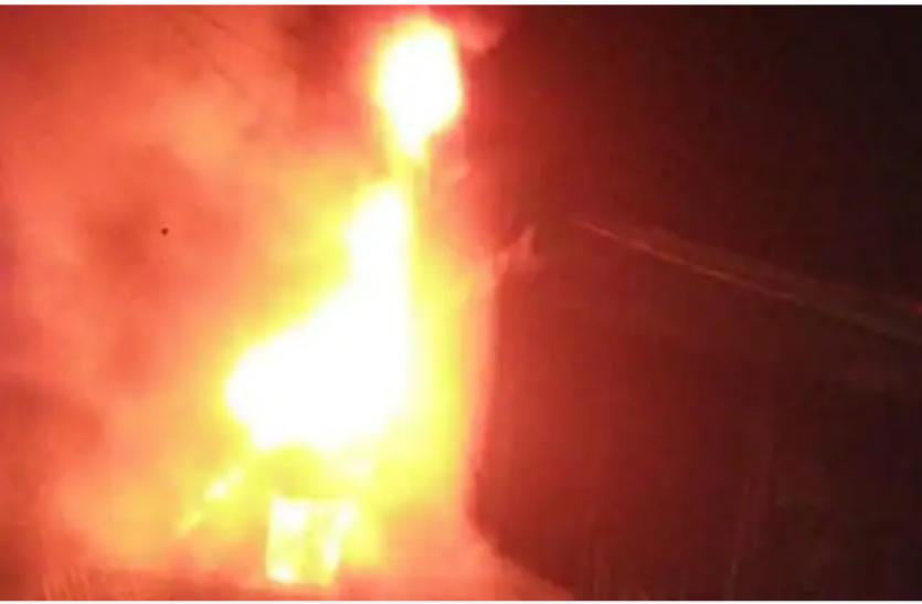 अमरीका: न्यूयॉर्क में एक आवासीय इमारत में लगी भीषण आग, दमकलकर्मियों समेत 21 झुलसे