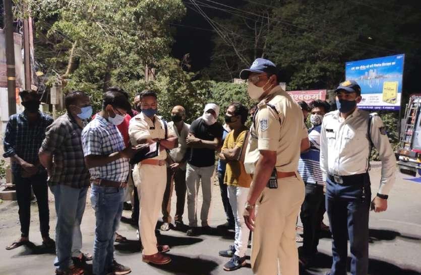 रात के अंधेरे में महाराष्ट्र से बुरहानपुर पहुंची 5 बसें जब्त, मालिक, चालकों के खिलाफ केस दर्ज