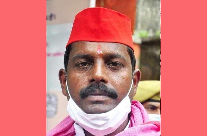 सपा विधायक लकी यादव के खिलाफ गिरफ्तारी वारंट, पूर्व मंत्री स्व. पारसनाथ यादव के बेटे हैं